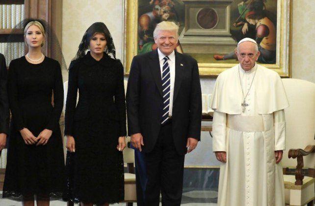 Las redes se rien de las fotos de la cumbre Papa Francisco - Trump