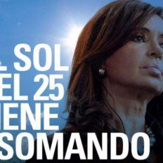 Aparecieron afiches de Cristina y se espera un anuncio sobre su candidatura
