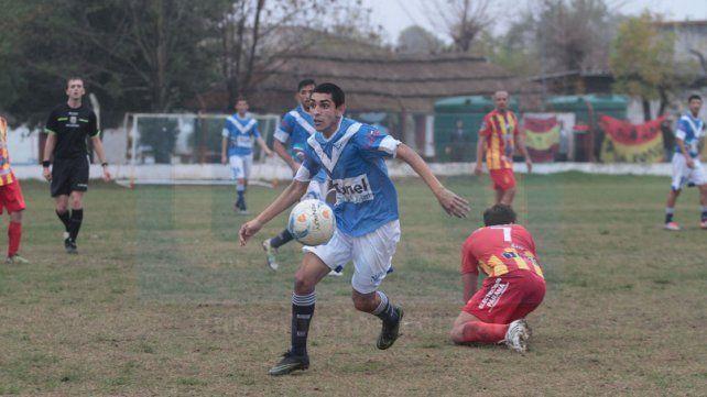 Sportivo Urquiza ganó ayer en el sur de la ciudad y sigue como escolta del puntero