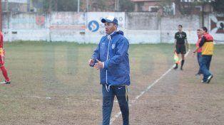 Entrenador de la V. Gustavo Romero es el entrenador del equipo Sportivo Urquiza