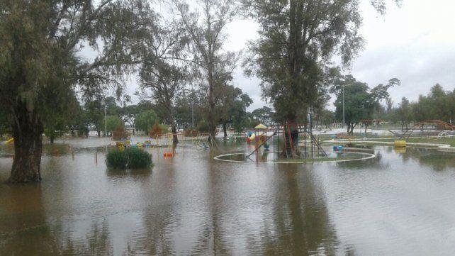 Ya hay 25 familias evacuadas en Concordia por la crecida del río Uruguay