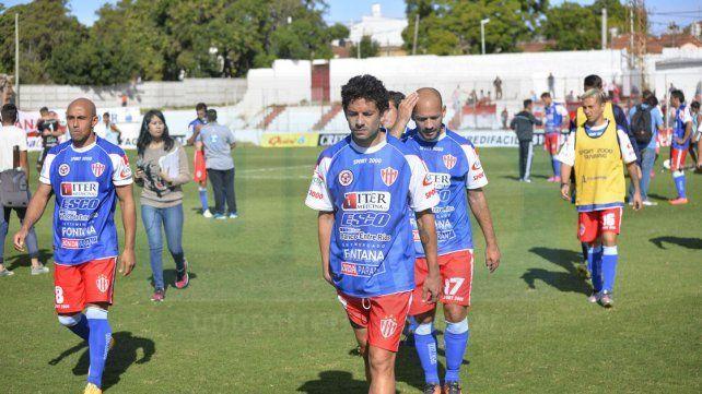 Alexis Ekkert retornará esta tarde al mediocampo de Atlético Paraná tras tres encuentros.