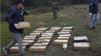Directo del Paraguay. La droga y la avioneta eran esperados en Colonia Avellaneda.