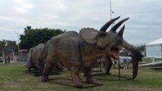 los dinosaurios de tecnopolis llegaron al puerto nuevo de parana
