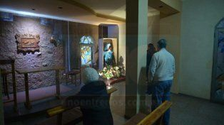 A toda hora. Durante el día la parroquia recibe visitas y los fines de semana se incrementan.
