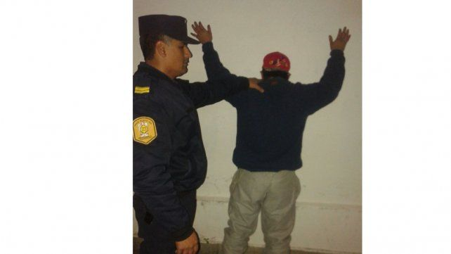 Un hombre fue detenido tras robar 50 metros de cable subterráneo
