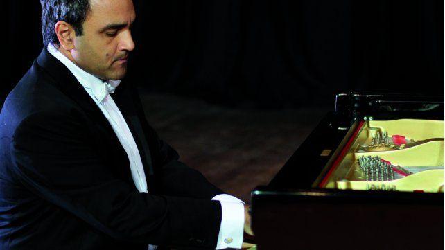 Solista. Alexander Panizza se destaca por su extraordinario manejo de la sonoridad del piano.