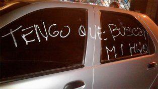 Paranaense descargó su furia contra un automóvil estacionado frente a su garaje