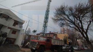 La obra del edificio más alto de Entre Ríos no se detuvo, a pesar de un fallo judicial adverso