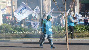 UPCN se movilizó a Casa de Gobierno en rechazo de la propuesta salarial del Gobierno