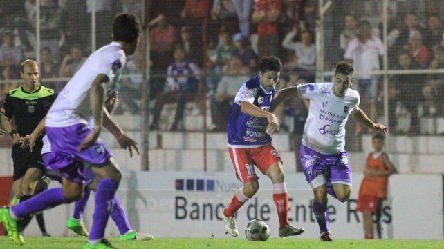 En la primera rueda Atlético Paraná superó a Villa Dálmine 1-0. Hoy buscará repetir en Campana.