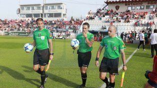 Patricio Loustau controló por última vez al Santo en la derrota por 2 a 0 con Lanús en el Grella.