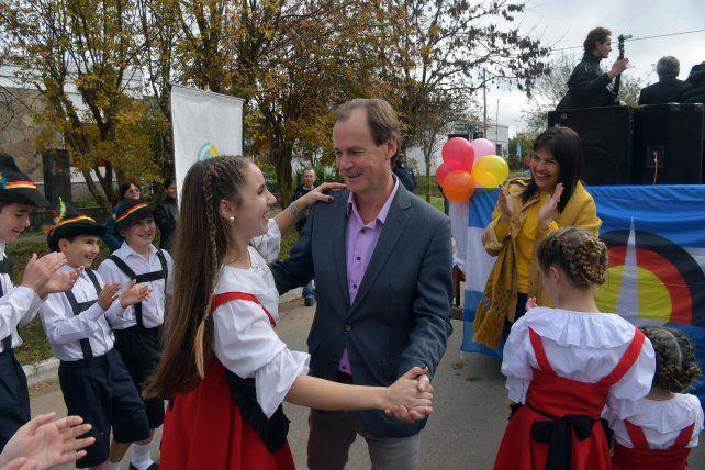 El gobernador Bordet participó de la celebración en la Aldea que en 2010 tenía 553 habitantes.