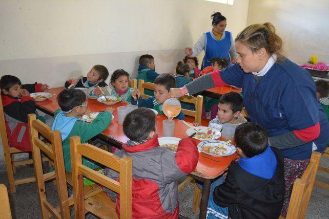 En mayo entregaron 89.000 raciones con nutrientes necesarios para esta época invernal. Foto prensa Gobernación.