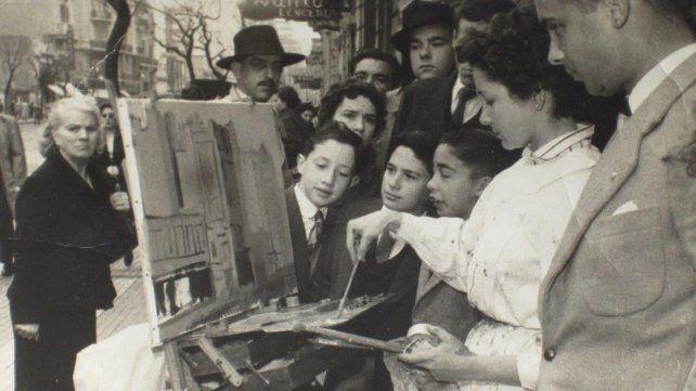 Artista. Gloria Montoya pintando en Buenos Aires