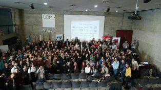 Los periodistas que se quedaron al cierre del VI congreso de periodismo digital que organizó Fopea.