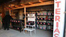 boqueteros se llevaron 15.000 pesos de un negocio de baterias