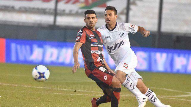 Guzmán se retiró lesionado en el cotejo ante Quilmes.