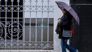 A salir con paraguas: Hoy será una jornada nubosa, fría y con probabilidad de chaparrones