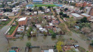 Avanza. Estiman que en los primeros días de la semana próxima llegará un nuevo pico de inundación.