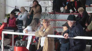 Los abuelos combatieron el frío con Newcom y Lanzamiento al Aro