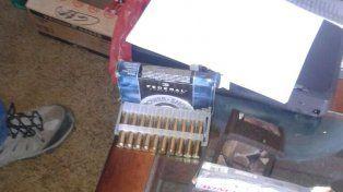 Acopio ilegal. En el comercio se encontraron armas y municiones sin autorización de venta.