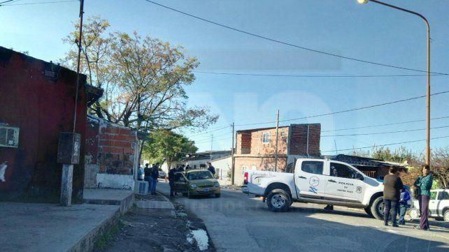 Por atrás. La víctima recibió dos disparos por la espalda cuando empujaba el auto que se había parado.