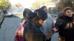 Conflicto en la Villa 351: Ahora los vecinos cortan avenida Ramírez y Provincias Unidas