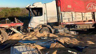 Impactante choque entre tres camiones en la autopista Rosario-Santa Fe