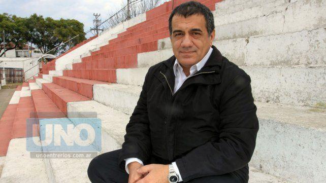 José Cáceres explicó, en una carta, la decisión del cambio de DT en El Decano
