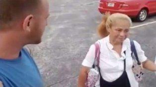 Una mujer llora la muerte de su hijo cuando un hombre se acerca y le hace una increíble oferta