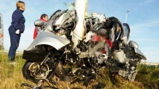 Una mujer murió tras chocar contra una columna en la Autovía 14