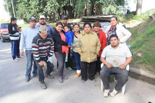 Buena parte de la familia que no se quiere separar. Foto UNO Juan Ignacio Pereira.