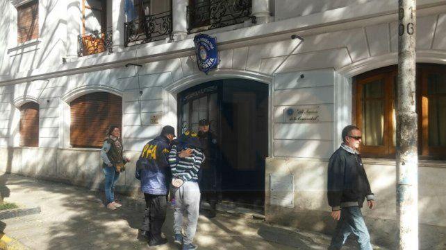 Operativos. La Federal ejecutó varios allanamientos en barrios de la capital entrerriana