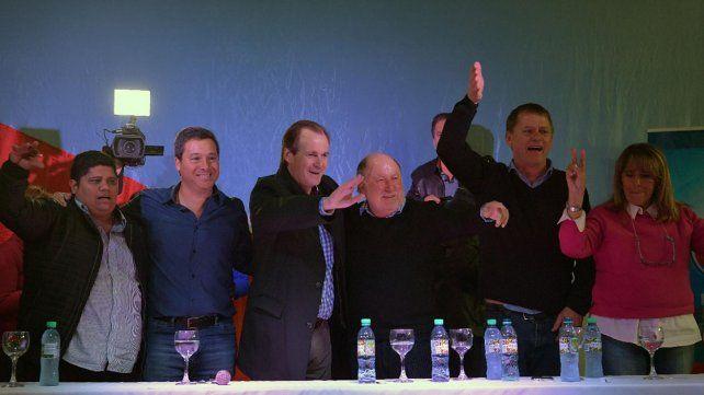 Unidad. Bordet y Busti lideran el frente peronista que además reúne a otros cinco partidos.