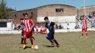 Las inferiores de Paraná habitualmente hacen de local en cancha de Instituto. Fotolosbajitosyelfutbol.infantil