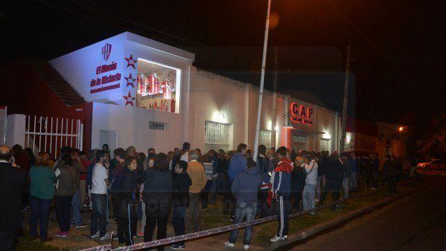 Así lucia el frente de la institución minutos antes de la inauguración FotoUNOMateo Oviedo