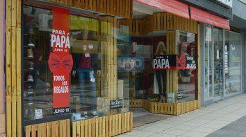 Expectativas. Los comerciantes de Paraná esperan hoy mucho movimiento en sus locales.