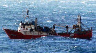 Buscan a nueve desaparecidos en el hundimiento de un pesquero frente a Rawson