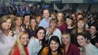 Bordet pidió a las mujeres militar para lograr respaldo en octubre