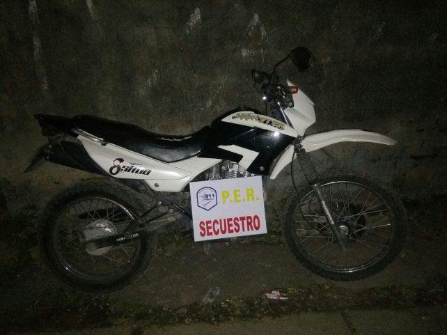 Les robaron la moto, agredieron al ladrón y terminaron detenidos