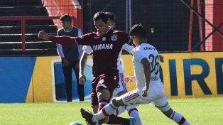 Lanús lo empató sobre el final ante Newells en Rosario