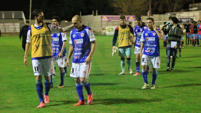 Atlético Paraná buscará respiro en Puerto Madryn