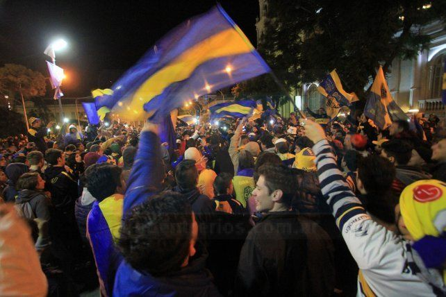 Boca Campeón: El festejo Xeneize en plaza 1° de Mayo, en Paraná