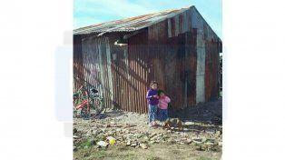Una familia de Gualeguay que vive en extrema pobreza pide ayuda para afrontar el invierno