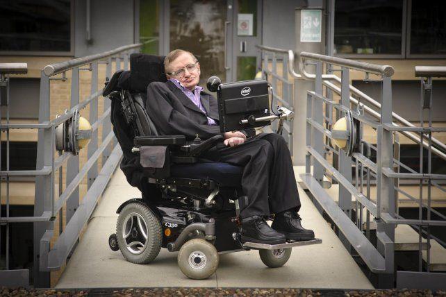 Stephen Hawking advierte que si no conquistamos el espacio nos extinguiremos en 100 años