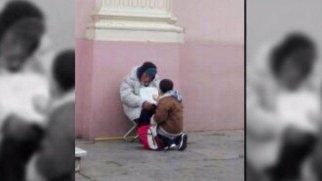 #PuroCorazón El nene salteño que prefirió darle un sandwich a un indigente, antes que comerlo él