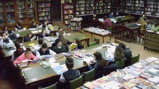 A pedido. Las nuevas adquisiciones fueron sugeridas por socios y usuarios de la biblioteca.