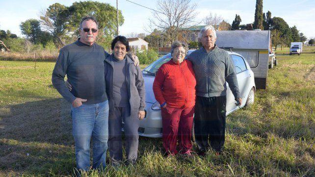 En familia. Oscar y Ricardo llegaron desde Junín y Salto con sus respectivas esposas. Listos para un gran fin de semana.