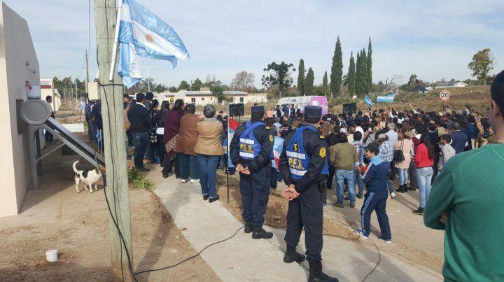 La policía de Entre Ríos estuvo a cargo de la seguridad en el acto. Foto gentileza Mario Chesini.
